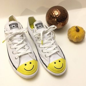 New converse smiley face low top sneakers